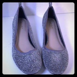 So cute Aldo Slip-on Flats Silver S/8.5 NWOT
